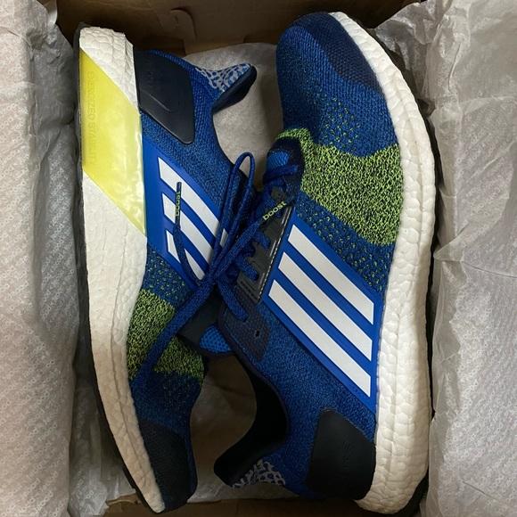 Adidas Ultra Boost ST Blue Solar Yellow size 10.5